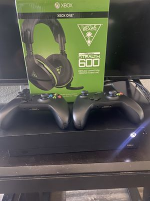 XBOX ONE X 1TB for Sale in Bellflower, CA