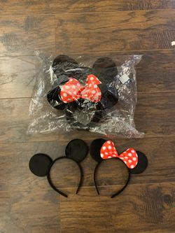 Mickey and Minnie mouse solid black ear headbands for Sale in Dickinson,  TX