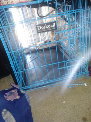 Doskocil Dog crate 🐕 2 door& divider for Sale in Rosedale, MD