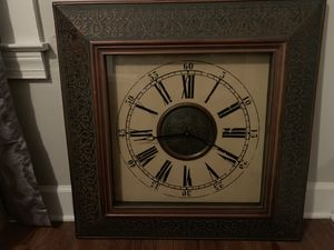 Living room clock for Sale in Thomasville, NC