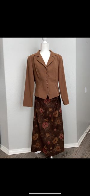 "Vintage Skirt-suit by ""K-Studio"" sz 12 - great condition for Sale in Fort Worth, TX"