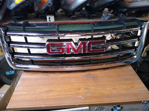 2007 2013 GMC Sierra 1500 Chrome front grille OEM use22924486 for Sale in Wilmington, CA