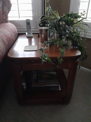 End table for Sale in Banning, CA