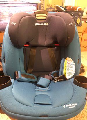 Maxi Cosi Magellan All in One convertible Car Seat for Sale in Kent, WA