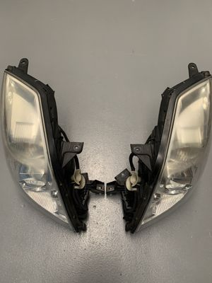 Headlight Set For 2006-2011 Cadillac DTS Left and Right HID With Bulbs for Sale in Spencerville, MD