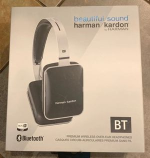 Harman Kardon BT Premium Over Ear wireless Headphones for Sale in Katy, TX