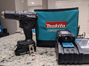 Makita subcompact hammer drill kit for Sale in Clermont, FL