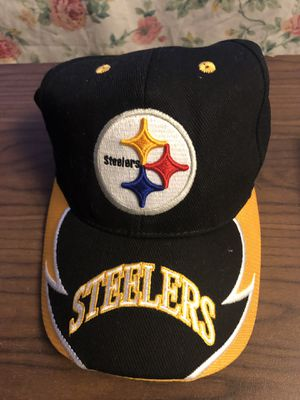 Steelers hat, gloves, lunch bag cooler, mini mugs for Sale in Chesapeake, VA