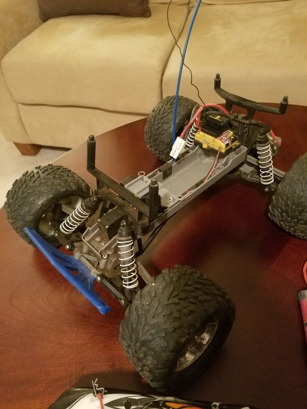 Traxxas Stampede 2wd brushed RC truck