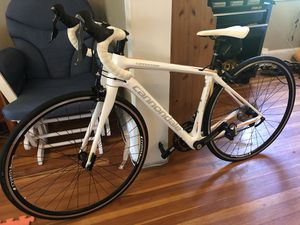 Women's 2017 Cannondale Carbon Synapse road bike for Sale in Berryville, VA