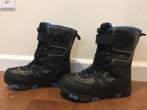 Kids Quest Snow Boots. Size 4. for Sale in Renton, WA