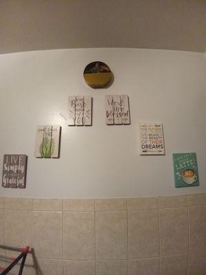 Like new wall decor for Sale in DORCHESTR CTR, MA