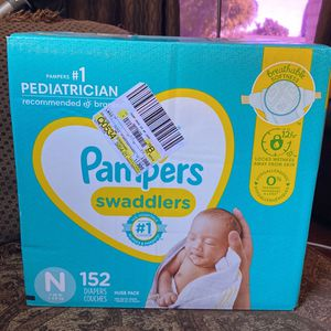 Newborn Pampers for Sale in Compton, CA