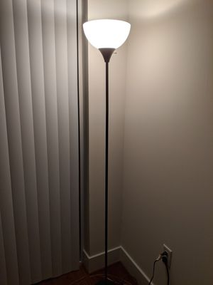 Standing Floor Lamp for Sale in North Springfield, VA