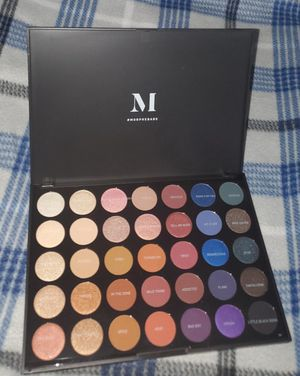 Morphe 35 shade Artistry eyeshadow palette *NEW* for Sale in Austin, TX