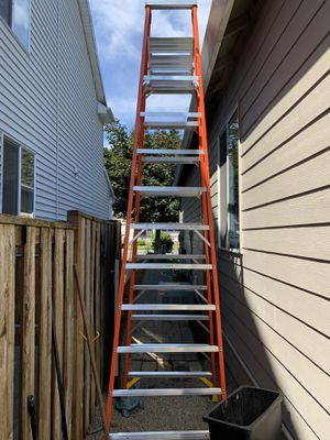 Werner 16' ladder. With shelve for Sale in Wilsonville, OR