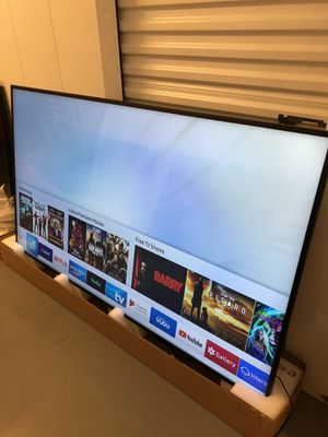 SAMSUNG 82 INCH QLED Q7 4K SMART TV! Comes with legs and remote. 3 month guarantee. PICKUP SPECIAL for Sale in Phoenix, AZ