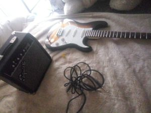 New fender stratocaster guitarar and amplifier for Sale in Colorado Springs, CO