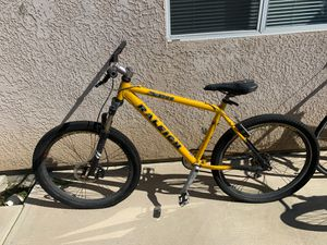 Mountain bike for Sale in Visalia, CA