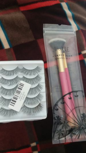 Makeup Brushes & Eye Lashes for Sale in Atwater, CA
