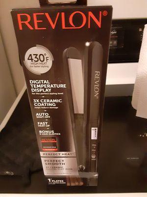 Revlon hair straightener for Sale in Minneapolis, MN