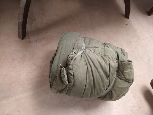 US Military Extreme Cold Weather Down Sleeping Bag Green USGI Hood Mummy