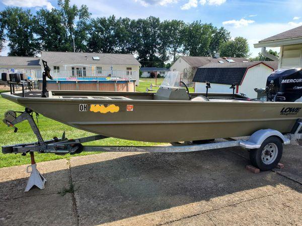 "16'5"" Lowe aluminum boat"