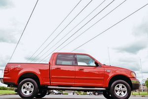 For sale now Ford F-150 2002 Lariat for Sale in Birmingham, AL