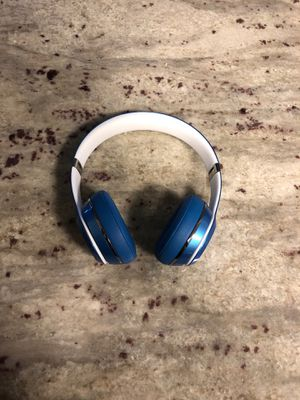 Wired beats solo 2 for Sale in Seattle, WA