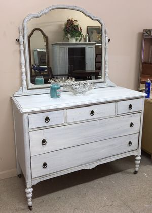 Antique Dresser for Sale in Peabody, MA