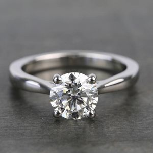 High-Quality 4CT Solitaire Moissanite Diamond Rings High- Clarity Round Cut in 18k gold setting for Sale in Los Angeles, CA
