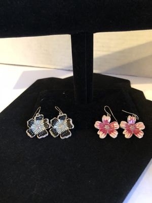 Azura Bella Flower Pedal Earrings W/ Diamond Stone 2 Pairs for Sale in North Las Vegas, NV