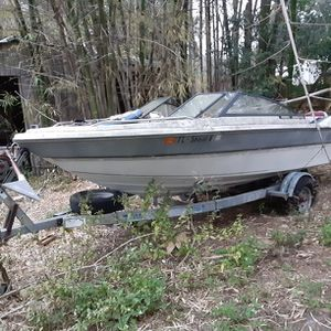 17.5 Boat For Sale Aluminum Trailer Included for Sale in Valrico, FL