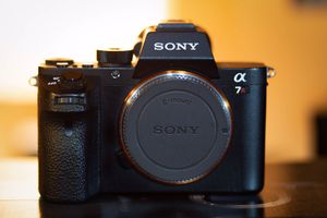 Sony Alpha A7R2 42MP Digital Camera - Black for Sale in Port St. Lucie, FL