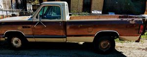 Dodge Ram D250 8 cil for Sale in San Antonio, TX
