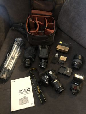 Nikon D3200 SRL Digital Camera w/accessories for Sale in San Dimas, CA