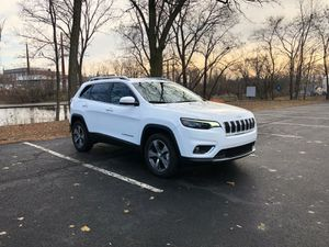 2019 JEEP CHEROKEE LIMITED AWD. 10K MILES ONLY for Sale in Malden, MA