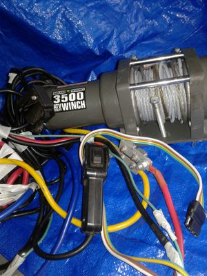 Winch 3500 lbs Elec Auto load HB for Sale in Charlotte, NC