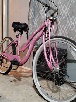 Schwinn Roxie Speed Bicycle for Sale in Rancho Cucamonga,  CA