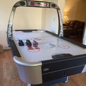 Air Hockey Table with Automatic Scorer for Sale in Fresno, CA