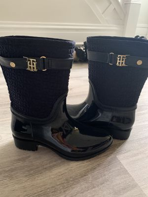 Navy Blue Tommy Hilfiger Rain Boots for Sale in Pittsburgh, PA