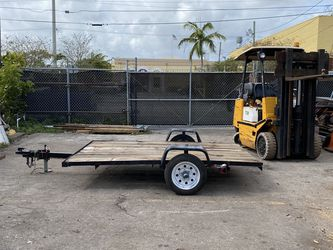 5 X 8 Flat deck trailer for Sale in Hollywood,  FL