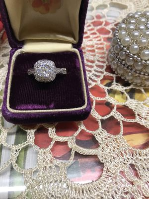 14K two tone gold plated White Sapphire Simulated Diamonds Engagement Ring Sz6 for Sale in Wood Dale, IL