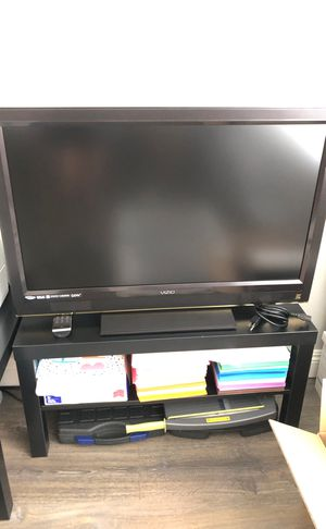 Vizio tv and tv stand for Sale in Corona, CA