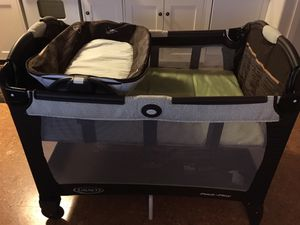 Pack and play with bassinet/changing table for Sale in Seattle, WA
