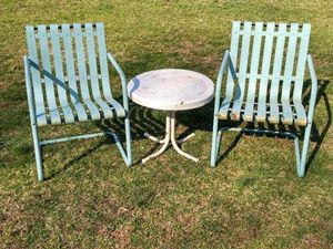 Metal lawn chairs and table for Sale in Bunker Hill, WV