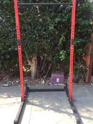 Slim squat stand for Sale in Los Angeles, CA