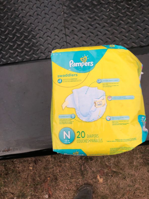 Pampers swaddle her's newborn 10lbs. /20 diapers included