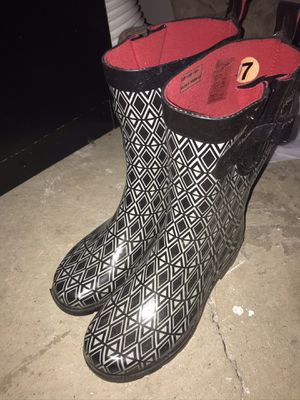 Size 7 Rain Boots for Sale in Rocky Hill, CT