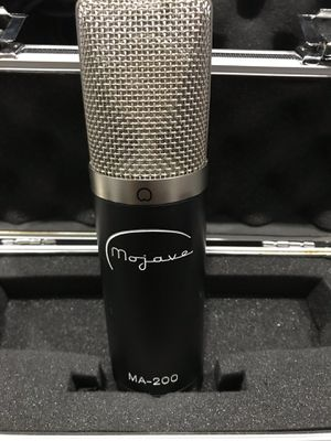 Mojave MA -200 tube microphone with case for Sale in Miami, FL